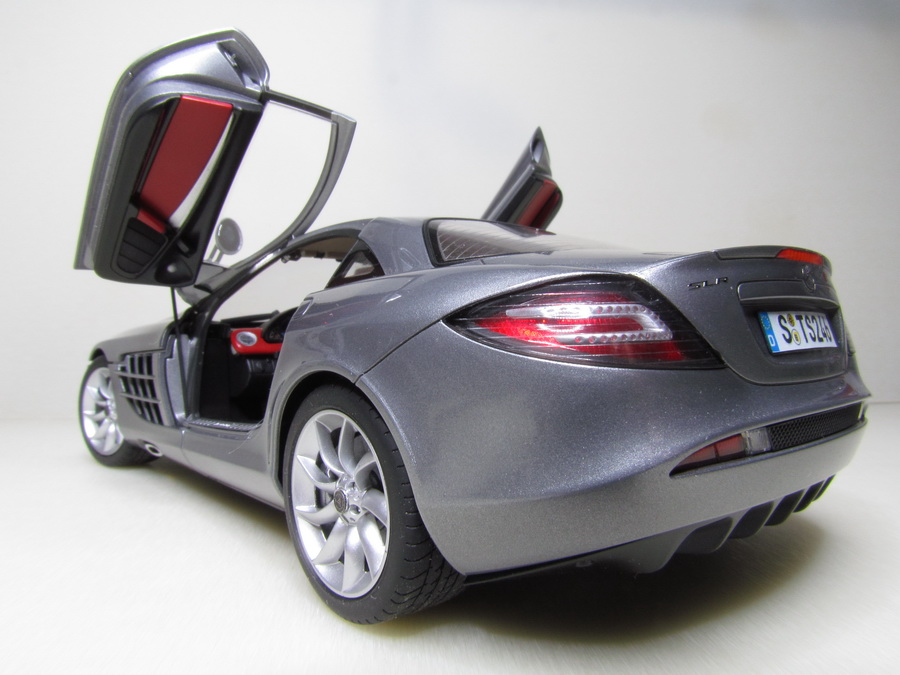 Mercedes-Benz SLR McLaren 124