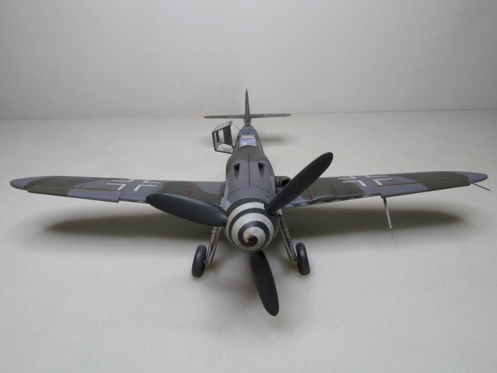 Messerschmitt Bf109K-4 142