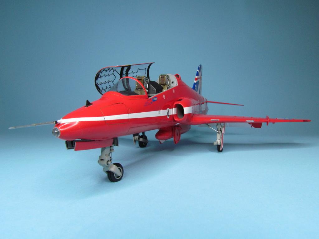 Red Arrows Hawk 100