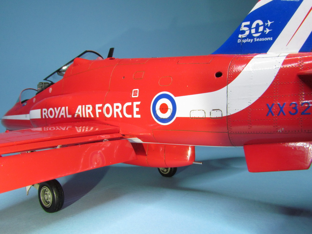 Red Arrows Hawk 102