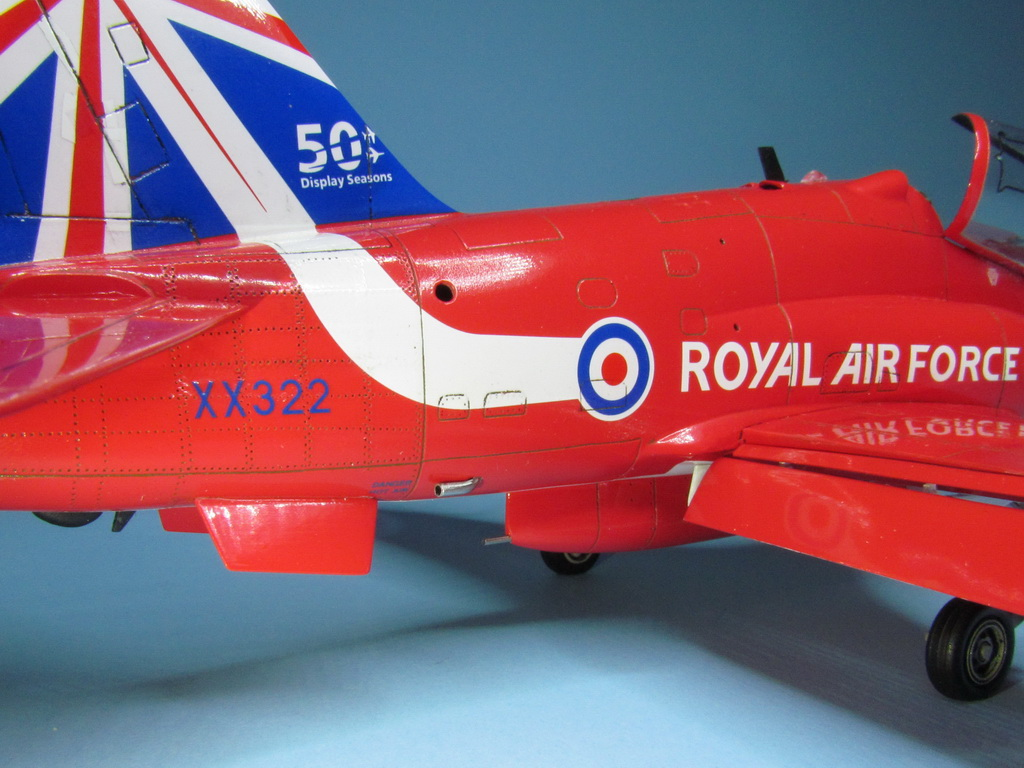 Red Arrows Hawk 105