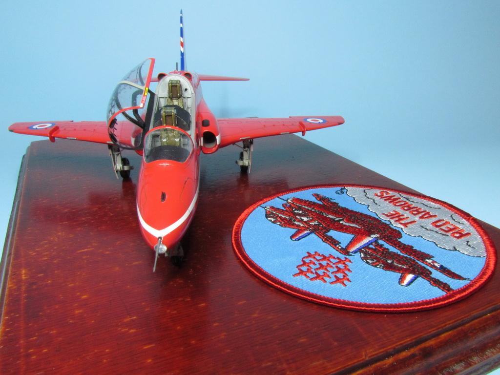 Red Arrows Hawk 111