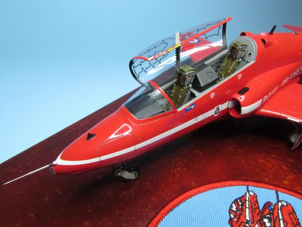 Red Arrows Hawk 114